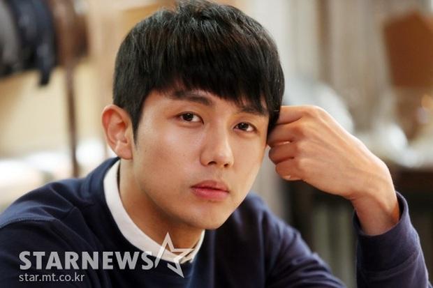 NÓNG: Nam idol của nhóm nhạc đình đám 2AM bị cảnh sát điều tra vì gây tai nạn chết người - Ảnh 2.