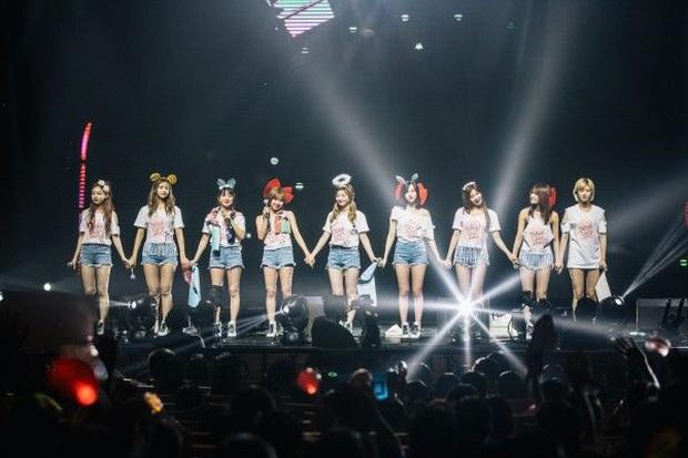 TWICE và Super Junior-K.R.Y. sẽ lưu diễn vòng quanh thế giới chỉ trong 1 ngày thông qua concert trực tuyến Beyond LIVE - Ảnh 3.