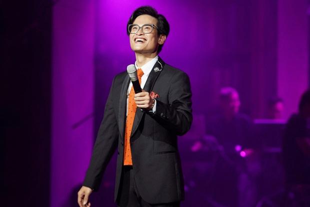 Hà Anh Tuấn kể kỉ niệm đáng nhớ nhất đời đi hát, cứ ngỡ ảnh sâu sắc ai dè là sự cố hớ hênh - Ảnh 6.