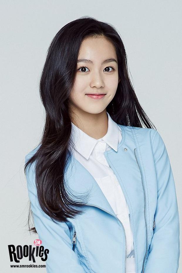 """Số phận thành viên """"hụt"""" của nhóm nữ mới nhà SM: Bản sao của Krystal về Trung vẫn trượt debut, thực tập sinh lâu năm nhất giờ là """"gà"""" Big Hit? - Ảnh 13."""