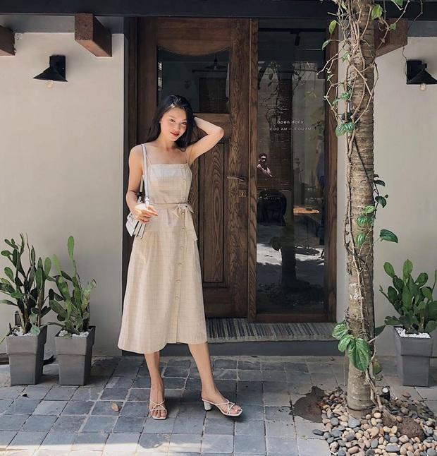 9 mẫu váy liền giúp các nàng có style xịn sò hẳn lên, diện đi chơi sống ảo không chê được điểm nào - Ảnh 5.