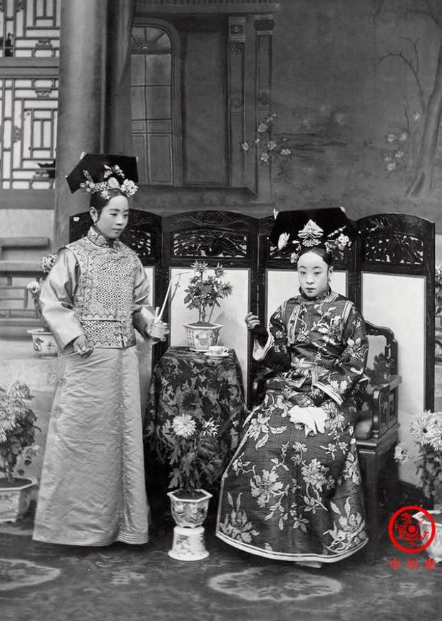 Loạt ảnh khắc họa toàn bộ cuộc sống của gia đình Hoàng đế nhà Thanh cuối cùng: 3 thế hệ chung sống dưới 1 mái nhà và những câu chuyện ít người biết - Ảnh 3.