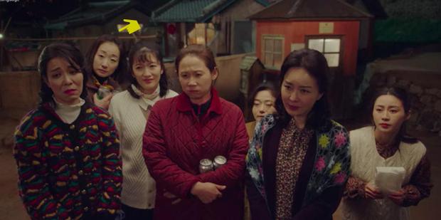 Không cần đợi đến Điên Thì Có Sao, Kim Soo Hyun đã gặp mẹ vợ ở kiếp trước rồi đây này! - Ảnh 3.