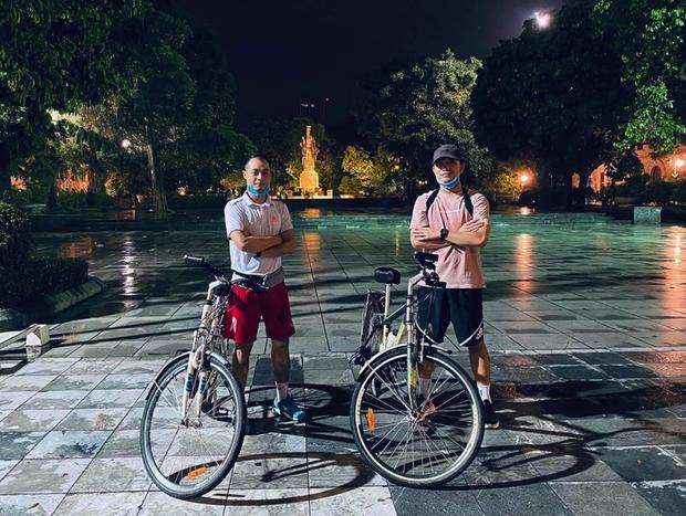 Xuân Trường chơi lớn, phượt hơn trăm cây số về quê bằng xe đạp và cái kết bị chê già lẫn ê mông - Ảnh 2.