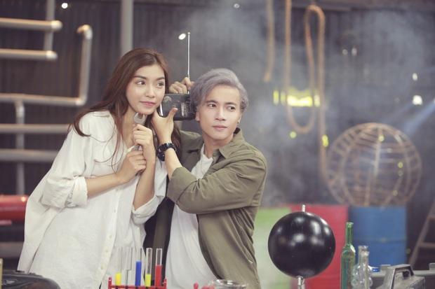 Tình tin đồn của ST Sơn Thạch tham gia Hoa hậu Việt Nam: Quán quân Ngôi Sao Thời Trang, còn làm nữ chính MV của 365 - Ảnh 8.