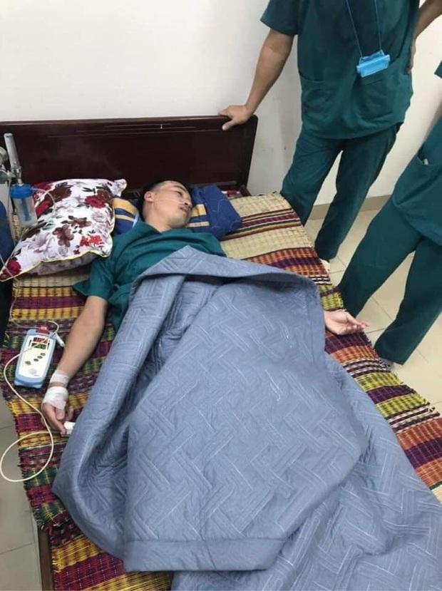 Phó Giám đốc 115 Đà Nẵng nói về hình ảnh bác sĩ làm việc đến kiệt sức: Trận chiến còn dài, chúng tôi quyết không ngã quỵ - Ảnh 2.