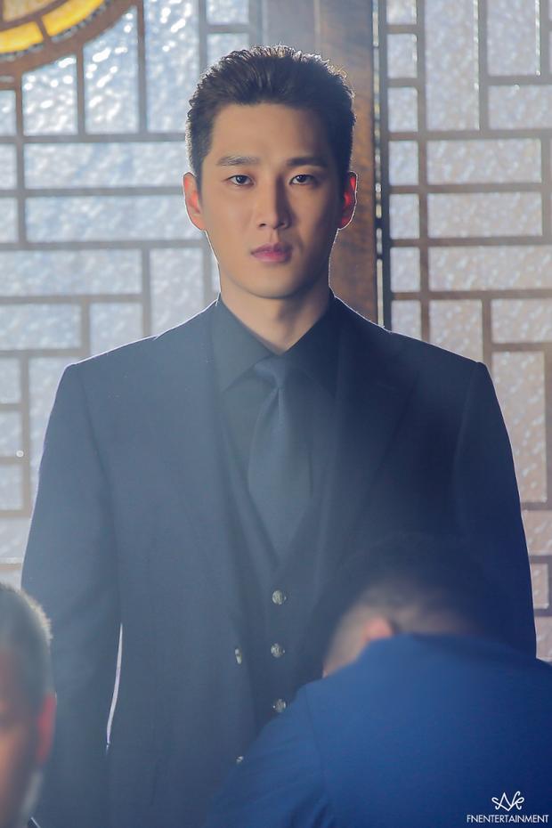 Nghịch tử Tầng Lớp Itaewon rơi vào lưới tình với tiểu tam quốc dân Han So Hee trong phim mới - Ảnh 3.