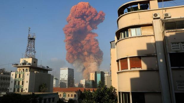 Chùm ảnh: Hiện trường như ngày tận thế sau vụ nổ kinh hoàng tại Lebanon khiến 4000 người thương vong - Ảnh 11.