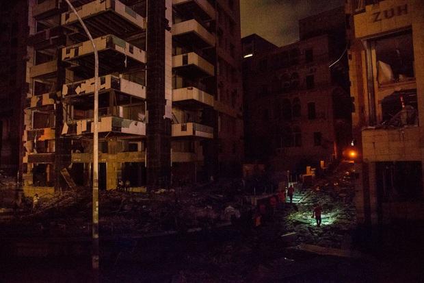 Chùm ảnh: Hiện trường như ngày tận thế sau vụ nổ kinh hoàng tại Lebanon khiến 4000 người thương vong - Ảnh 3.
