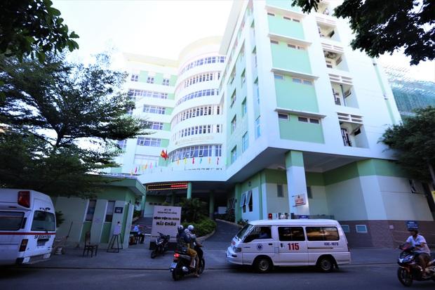 Đà Nẵng phong tỏa thêm 1 trung tâm y tế liên quan đến Covid-19 - Ảnh 1.