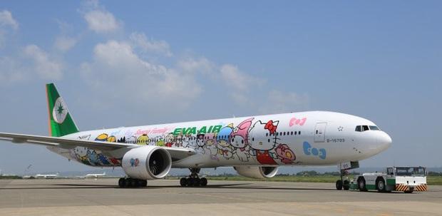 Máy bay chủ đề Hello Kitty chính thức cất cánh trong Ngày của Cha, có điều hành khách sẽ… không đi đến đâu cả - Ảnh 2.