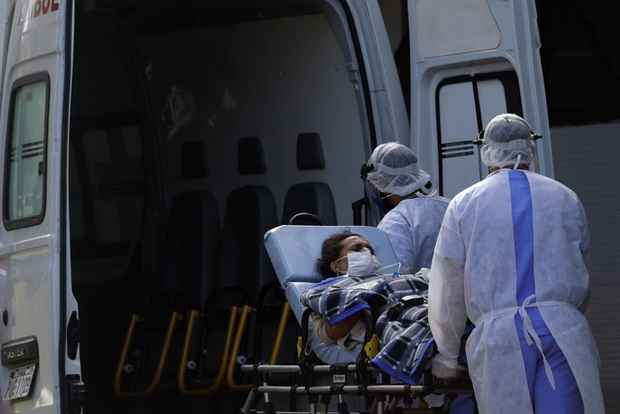 Hơn 18,6 triệu người mắc COVID-19 trên toàn cầu, Brazil vượt Mỹ về số ca nhiễm mới - Ảnh 1.