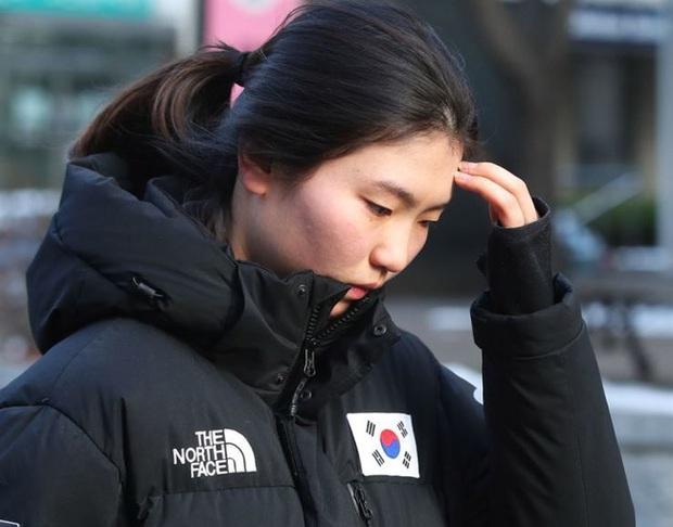 Đằng sau hào quang đầy mồ hôi là nước mắt của các nữ VĐV Hàn Quốc, thành tích được đánh đổi bằng nỗi đau tinh thần, thể xác và cả mạng sống - Ảnh 2.