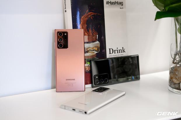 Trên tay Galaxy Note20/Note20 Ultra vừa ra mắt: Một cứng cáp, một mềm mại, màu đẹp xuất sắc, hợp cả nữ lẫn nam - Ảnh 14.