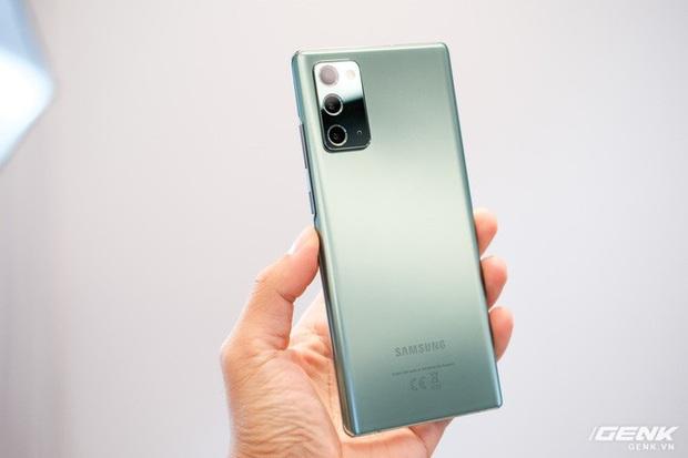 Trên tay Galaxy Note20/Note20 Ultra vừa ra mắt: Một cứng cáp, một mềm mại, màu đẹp xuất sắc, hợp cả nữ lẫn nam - Ảnh 19.