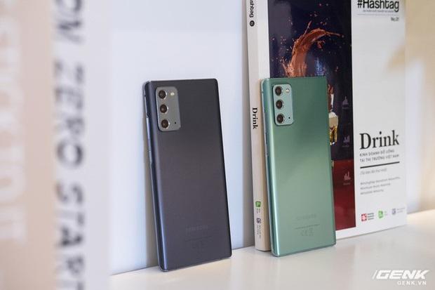 Trên tay Galaxy Note20/Note20 Ultra vừa ra mắt: Một cứng cáp, một mềm mại, màu đẹp xuất sắc, hợp cả nữ lẫn nam - Ảnh 23.