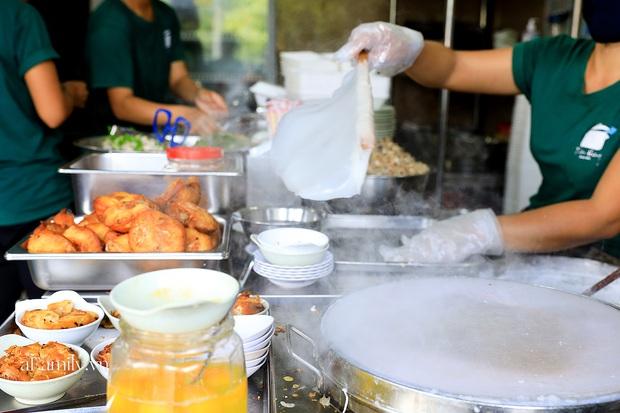 Sài Gòn được dịp mát trời, nhanh chân đi ăn sập thế giới với 7 món đường phố khiến bạn nuốt nước miếng mãi không kịp này thôi! - Ảnh 4.