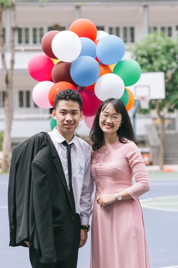 Nam sinh Hà Nội gây bão MXH khi đỗ cùng lúc 6 lớp chuyên, là Thủ khoa, Á khoa trường top - Ảnh 2.