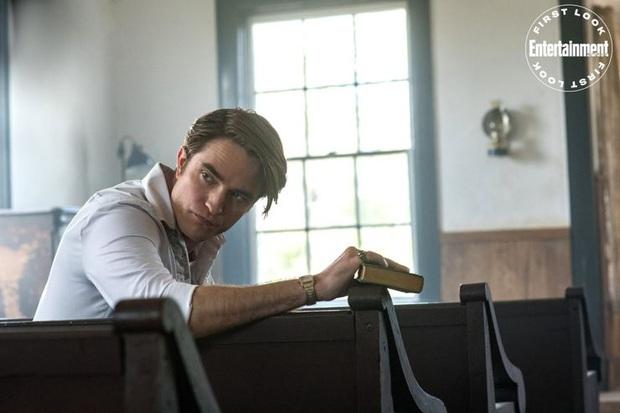 Xịt máu mũi trước tin bộ 3 Tom Holland - Robert Pattinson - Bill Skarsgård kết hợp ở The Devil All the Time - Ảnh 4.