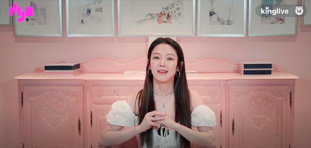 Phỏng vấn đặc biệt HYO: Thích hoạt động cùng SNSD hơn solo, ấn tượng nhất với fan Việt ở khoản... hát tiếng Hàn quá nhiệt! - Ảnh 4.