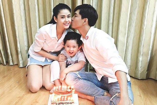 Lần đầu sau 2 năm ly hôn Trương Quỳnh Anh, Tim công khai thân thiết với gái xinh lạ mặt: Và con tim đã vui trở lại? - Ảnh 3.