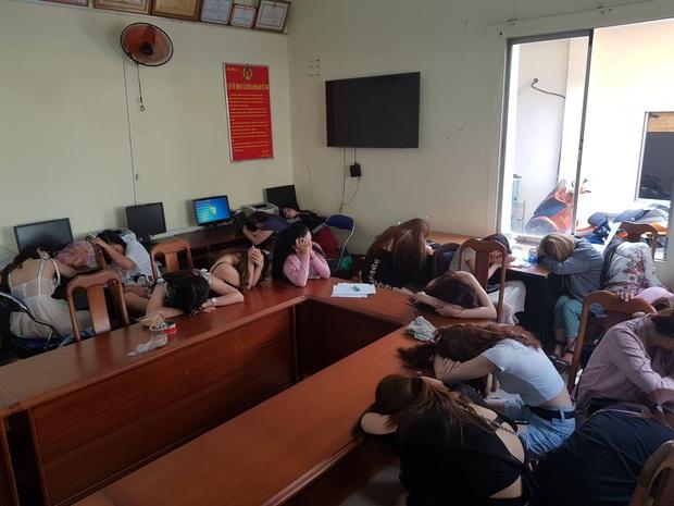 Đề nghị truy tố Việt kiều Mỹ, chủ quán bar 030X8 cho khách sử dụng ma tuý ở Sài Gòn - Ảnh 6.