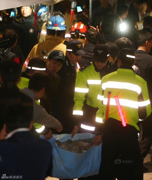 Tai nạn thương tâm nhất lịch sử Kpop: Sập nắp thông gió ngay trong tiết mục của 4MINUTE, 16 người thiệt mạng - Ảnh 4.