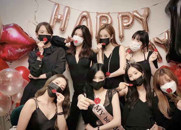 Bi hài Hyoyeon (SNSD) bị áp lực vì quy tắc trong tiệc sinh nhật Tiffany: Nỗi ám ảnh từ tận năm ngoái đến nay chưa hết? - Ảnh 5.