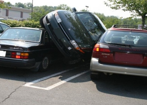 Vỏ quýt dày có móng tay nhọn: Những kẻ đỗ xe vô ý thức và kết cục thốn tới tận rốn khi gặp phải hội khó ở  - Ảnh 2.