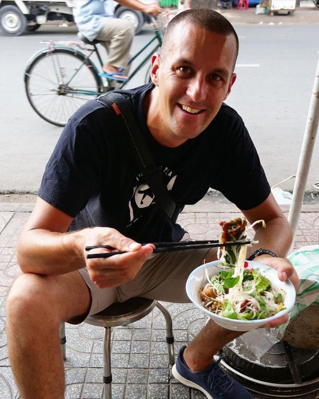 Một blogger ẩm thực New Zealand chia sẻ những món ăn ở TP.HCM khiến cô bị hạ gục - Ảnh 6.