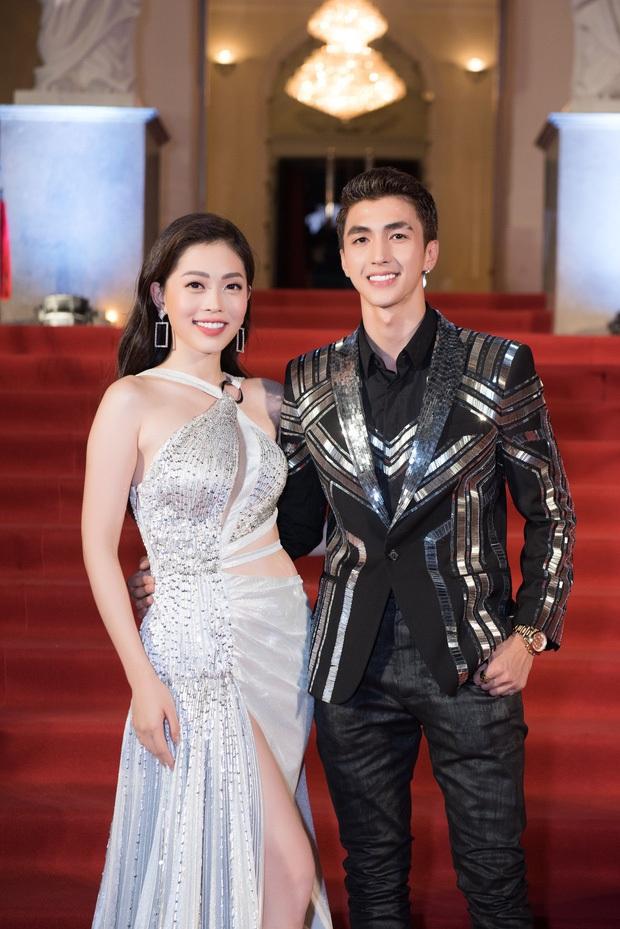 Thể hiện tình cảm với bạn gái, Bình An khiến fan há hốc vì vô tình để lộ biệt thự bề thế nhà Phương Nga - Ảnh 5.