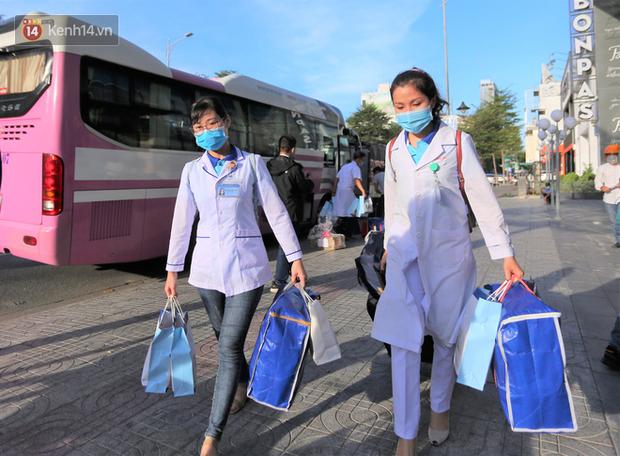 Nữ bác sĩ trẻ xinh đẹp ở Bình Định xung phong vào tâm dịch chi viện cho Đà Nẵng: Khi nào hết dịch con mới về! - Ảnh 3.