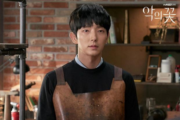 Flower of Evil của Lee Jun Ki được fan Trung chấm điểm cao phát ngất, Điên Thì Có Sao bị soán ngôi có tức không! - Ảnh 11.