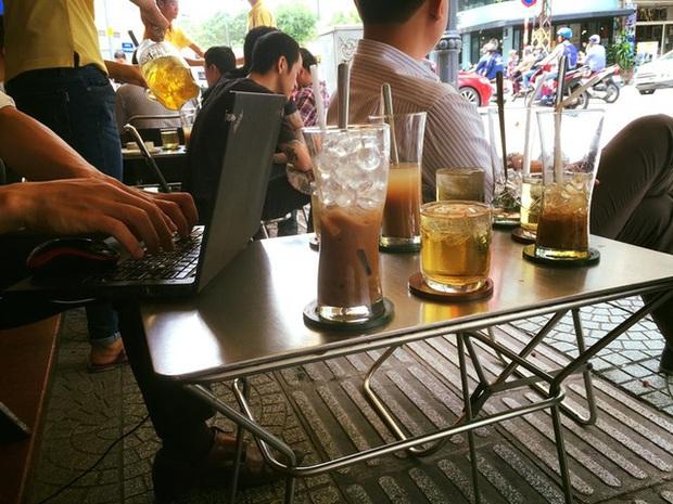 Cô gái người Anh kể chuyện lần đầu uống cafe Việt ai nghe cũng phì cười: Mị đã trộn trà và cafe với nhau, vị nó thật kì! - Ảnh 5.