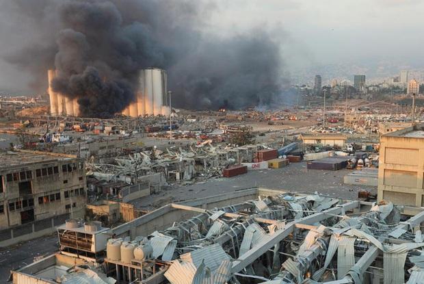 Con số thương vong trong vụ nổ kinh hoàng ở Lebanon tiếp tục tăng - Ảnh 1.