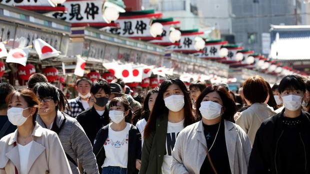 Thủ tướng Nhật Bản khẳng định không cần tái ban bố tình trạng khẩn cấp - Ảnh 1.