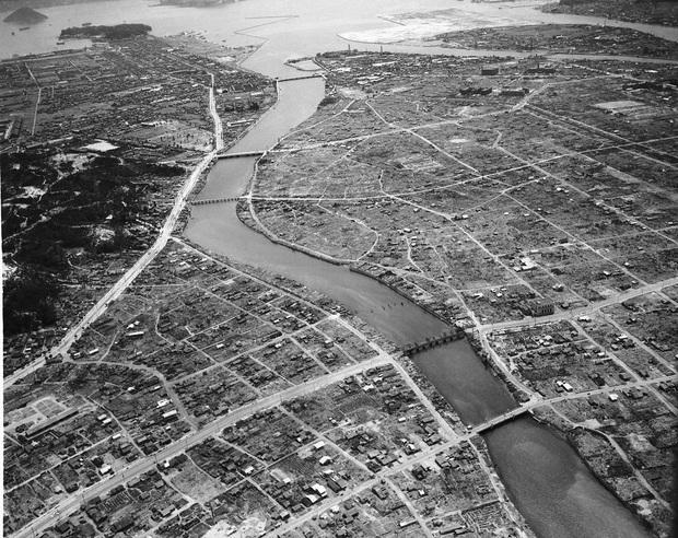 Những hình ảnh hiếm hoi về vụ ném bom nguyên tử xuống Hiroshima và Nagasaki của Nhật Bản, 75 năm vẫn vẹn nguyên nỗi ám ảnh khôn nguôi - Ảnh 11.