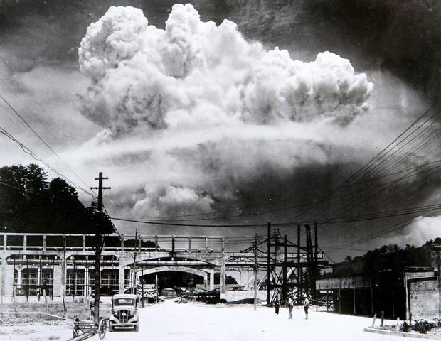 Những hình ảnh hiếm hoi về vụ ném bom nguyên tử xuống Hiroshima và Nagasaki của Nhật Bản, 75 năm vẫn vẹn nguyên nỗi ám ảnh khôn nguôi - Ảnh 16.