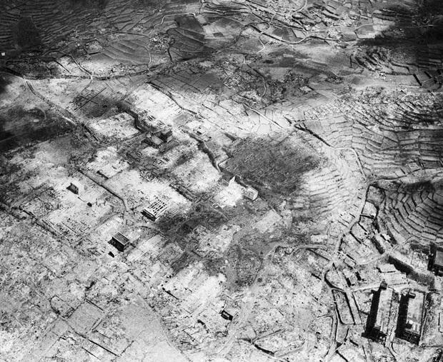 Những hình ảnh hiếm hoi về vụ ném bom nguyên tử xuống Hiroshima và Nagasaki của Nhật Bản, 75 năm vẫn vẹn nguyên nỗi ám ảnh khôn nguôi - Ảnh 19.