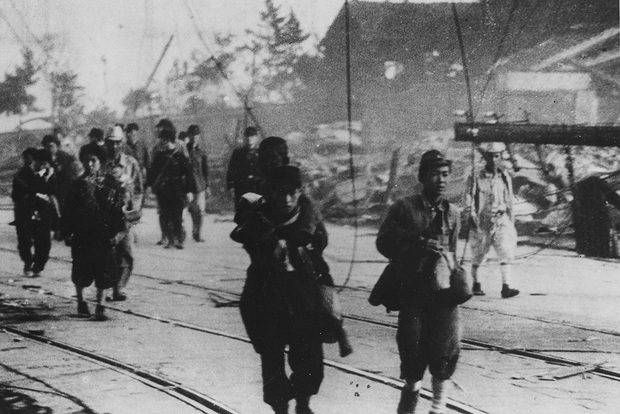 Những hình ảnh hiếm hoi về vụ ném bom nguyên tử xuống Hiroshima và Nagasaki của Nhật Bản, 75 năm vẫn vẹn nguyên nỗi ám ảnh khôn nguôi - Ảnh 21.