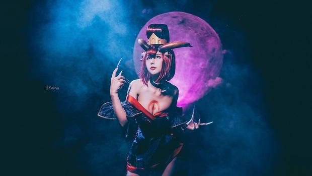 LMHT: Ngất ngây với bộ ảnh cosplay Evelynn Huyết Nguyệt đầy ma mị, sexy - Ảnh 4.