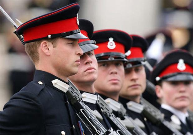 Đây là ngôi trường mà cả 2 Hoàng tử Anh theo học, nghe đến chế độ huấn luyện thì người gan dạ nhất cũng phải sợ tái mặt - Ảnh 6.