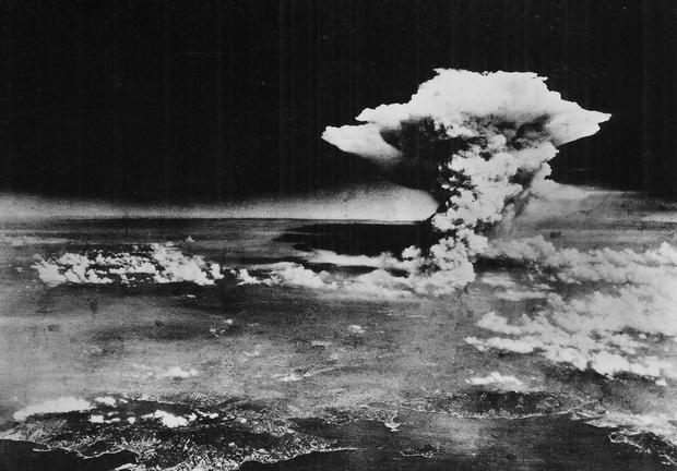 Những hình ảnh hiếm hoi về vụ ném bom nguyên tử xuống Hiroshima và Nagasaki của Nhật Bản, 75 năm vẫn vẹn nguyên nỗi ám ảnh khôn nguôi - Ảnh 9.