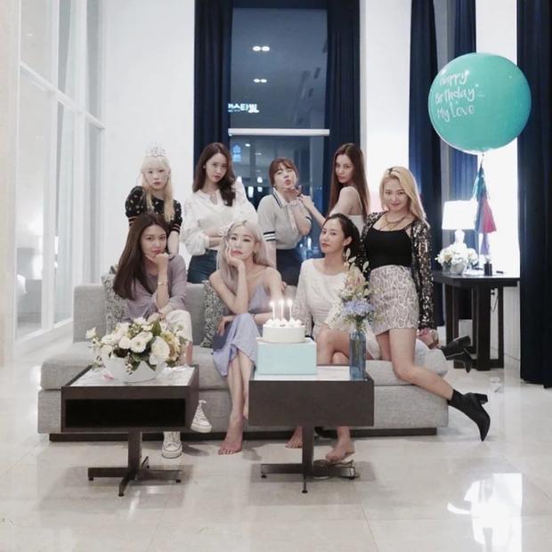 Bi hài Hyoyeon (SNSD) bị áp lực vì quy tắc trong tiệc sinh nhật Tiffany: Nỗi ám ảnh từ tận năm ngoái đến nay chưa hết? - Ảnh 4.