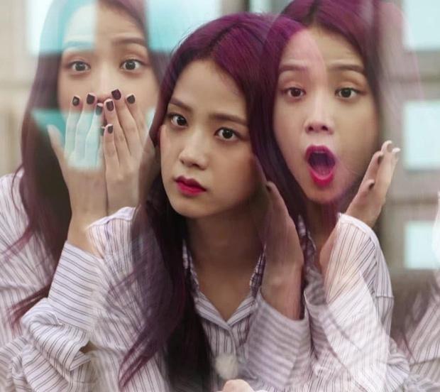 Khổ thân BLACKPINK: Ngồi không cũng bị nhóm nam đàn em cùng nhà đá xéo trong MV debut, tình chị em có chắc bền lâu? - Ảnh 11.