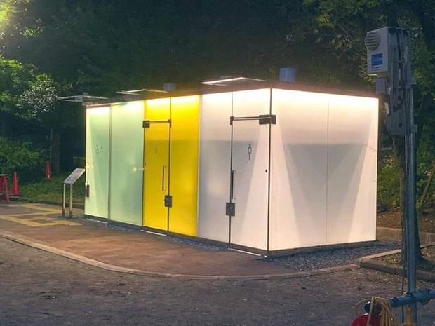 Những thiết kế nhà vệ sinh như đến từ hành tinh khác, quái dị tới mức du khách chẳng dám bước chân vào trải nghiệm - Ảnh 2.