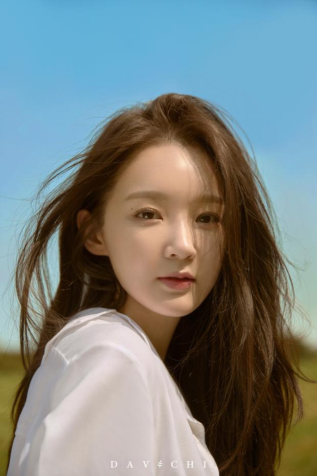 """Giữa ồn ào sao Hàn """"ăn gạch"""" vì chiêu trò quảng cáo, Lisa (BLACKPINK) chứng tỏ EQ cao ngất chỉ với vài bức ảnh sống ảo - Ảnh 7."""