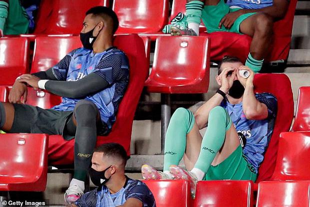 Trước trận cầu sinh tử, Bao tải tiền 100 triệu euro của Real Madrid xin HLV... gạt mình ra khỏi đội hình - Ảnh 2.