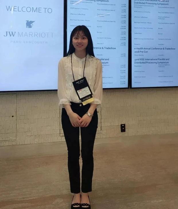 Thiếu nữ thiên tài vừa tốt nghiệp đã được Huawei săn đón: Vẻ ngoài ưa nhìn, thành tích khủng và mức lương khởi điểm 5,2 tỷ đồng/năm - Ảnh 1.