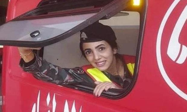 Đám tang đặc biệt của cô gái trở thành biểu tượng của bi kịch Beirut, chưa kịp mặc váy cưới đã nằm lại trong quan tài - Ảnh 1.